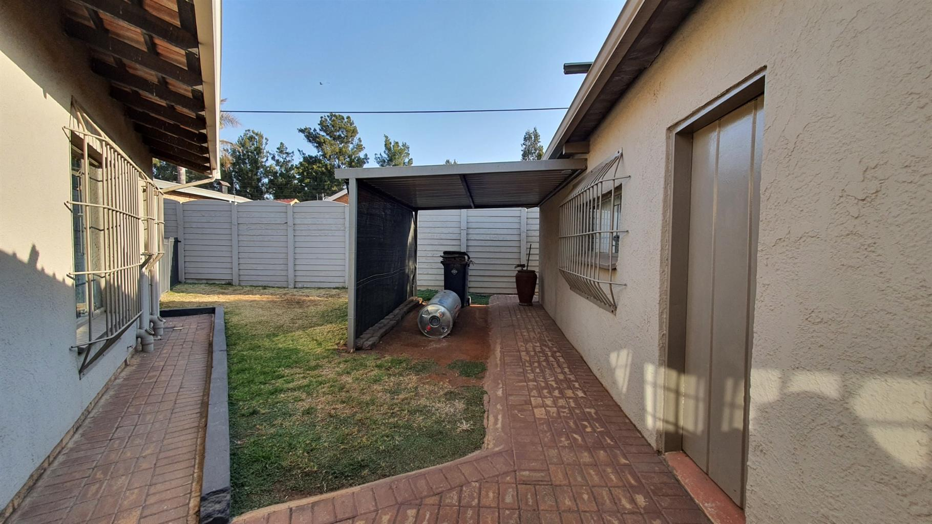 House For Sale in Edelweiss