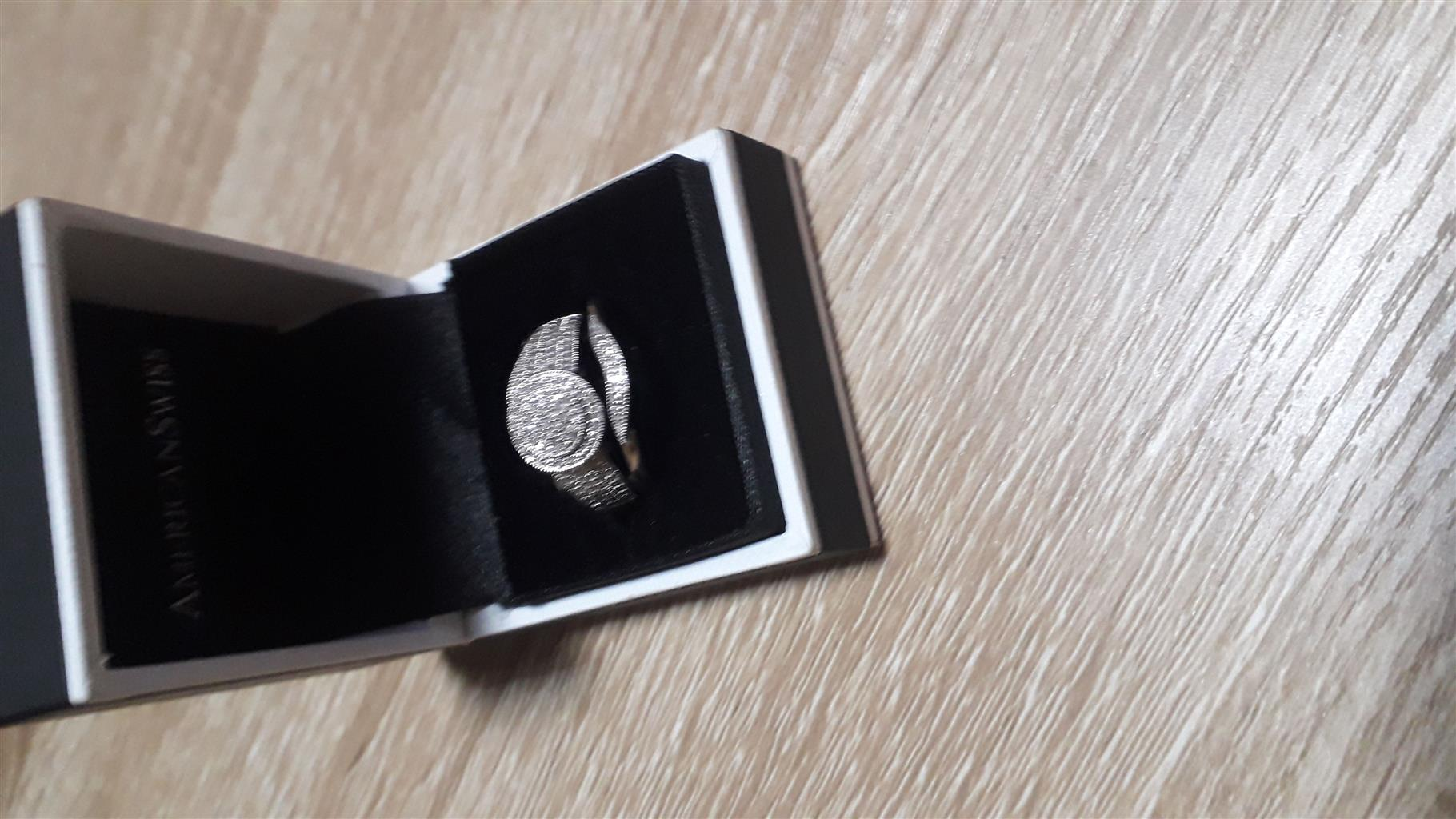 Brand new silver ring