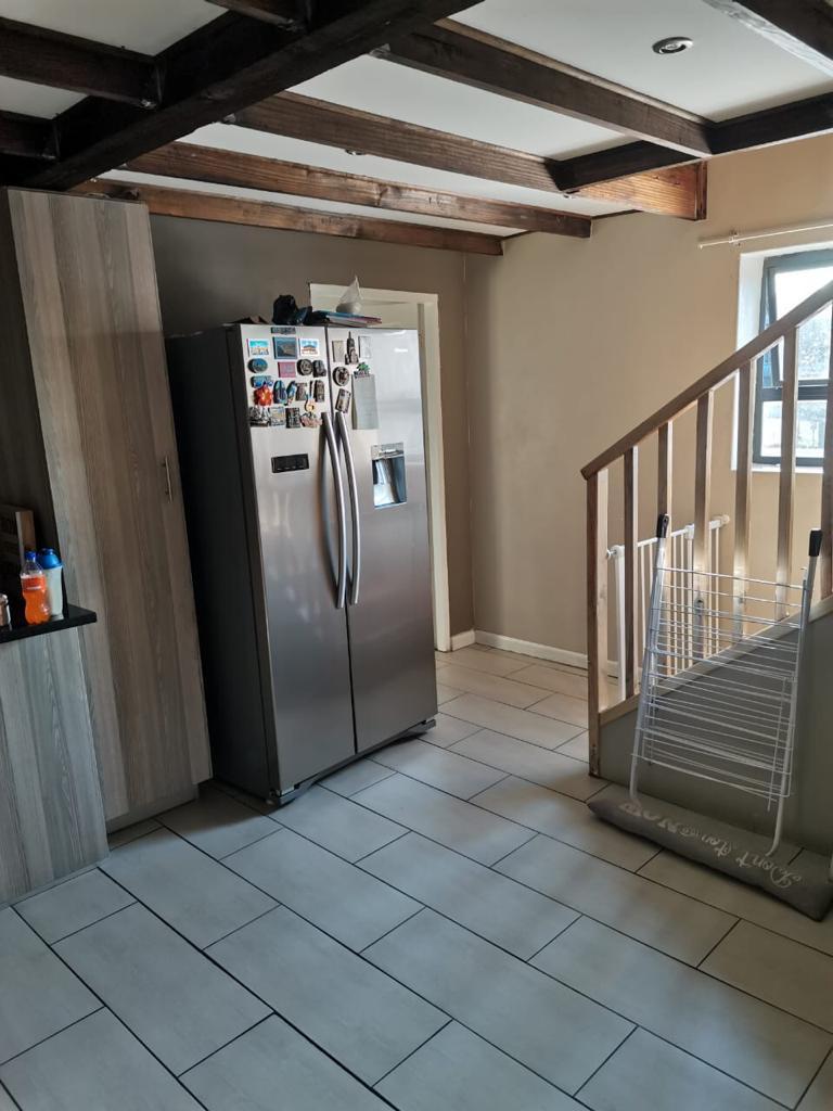 3 Bedroom, 2 Bathroom Apartment for rent