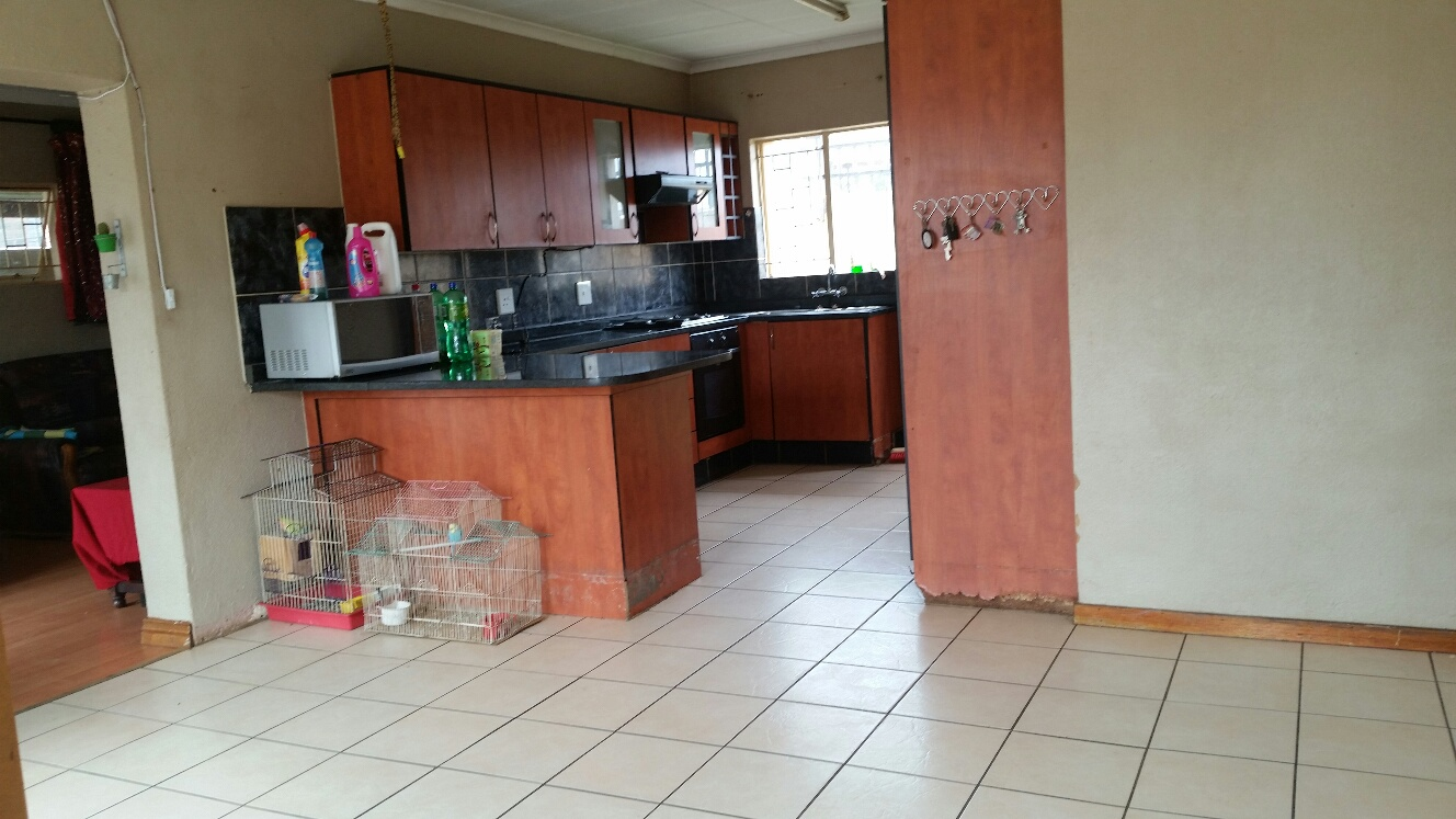 3 Bedroom property in Booysens To Let