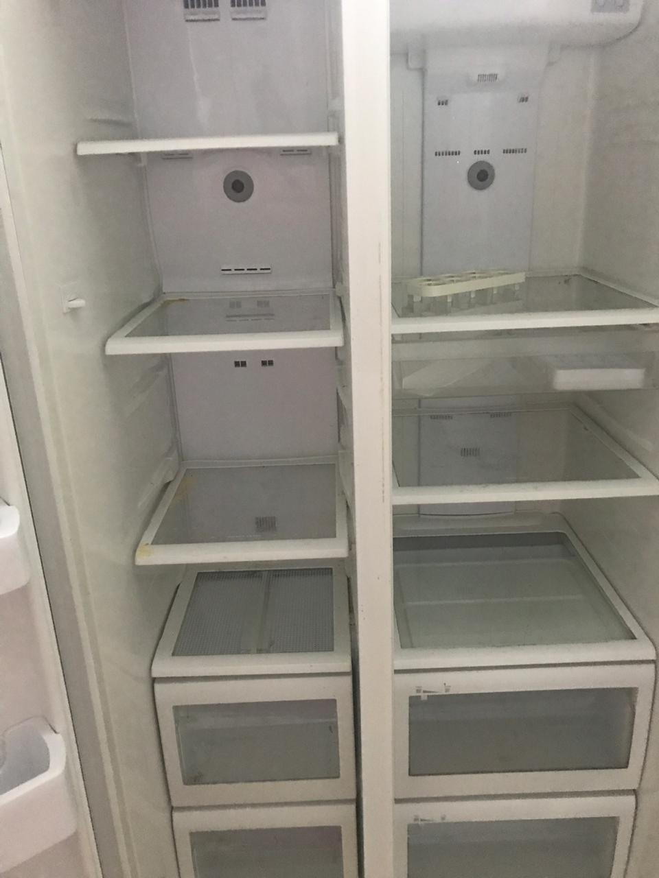 Side by side fridge and freezer