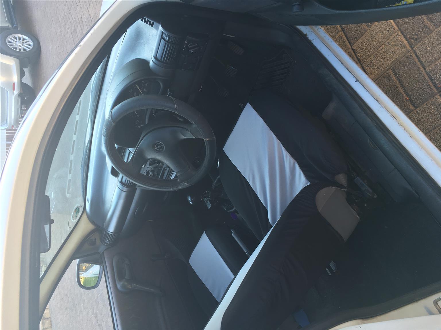 Opel Corsa Classic 1.4 Essentia