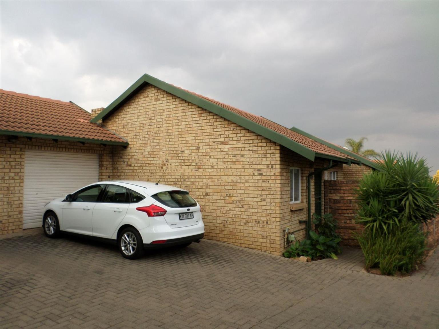 Townhouse For Sale in DIE WILGERS