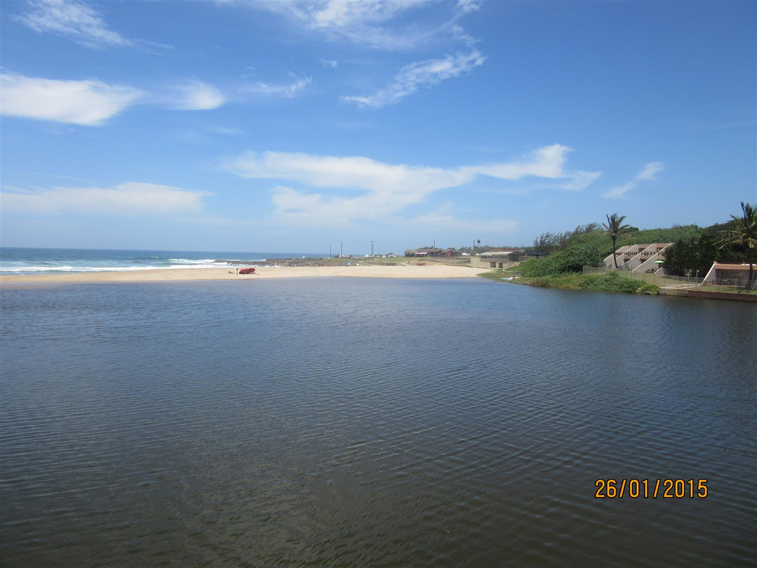 SHELLY BEACH SPACIOUS 1 BEDROOM – 1 TO 4 SLEEPER HOLIDAY FLAT UVONGO