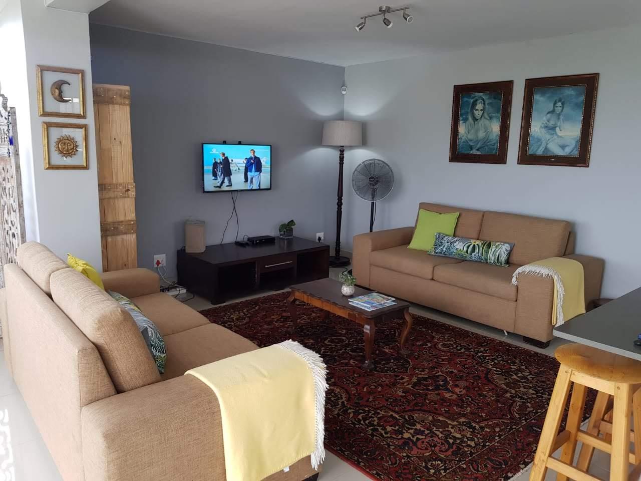 Beautiful 1 Bedroom apartment/penthouse