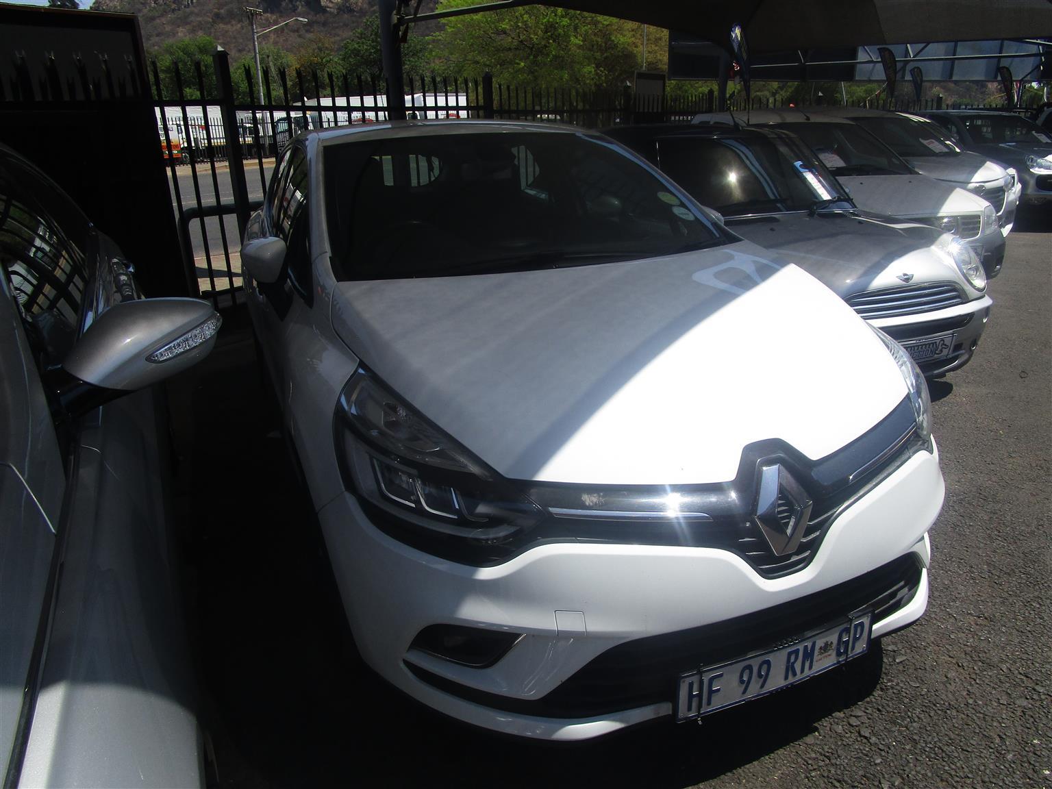 2016 Renault Clio 1.4 Expression 3 door