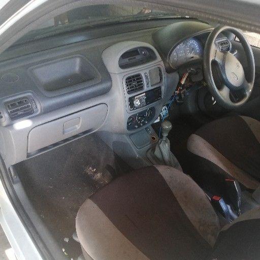 2004 Renault Clio 1.4 Expression 5 door