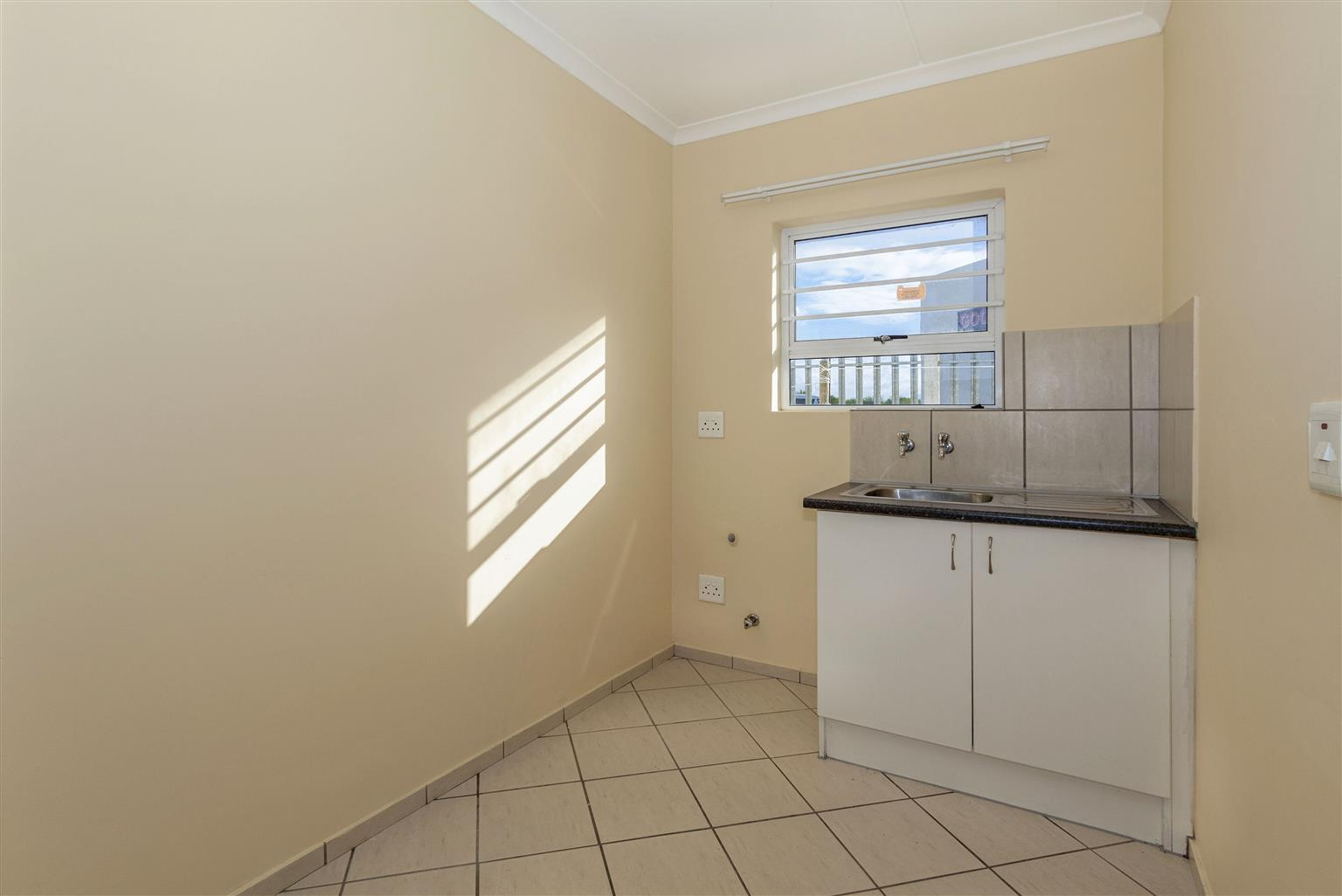 Special of ONE month deposit for 2 bedroom apartment, Jasmine Place, Bella Donna Estate