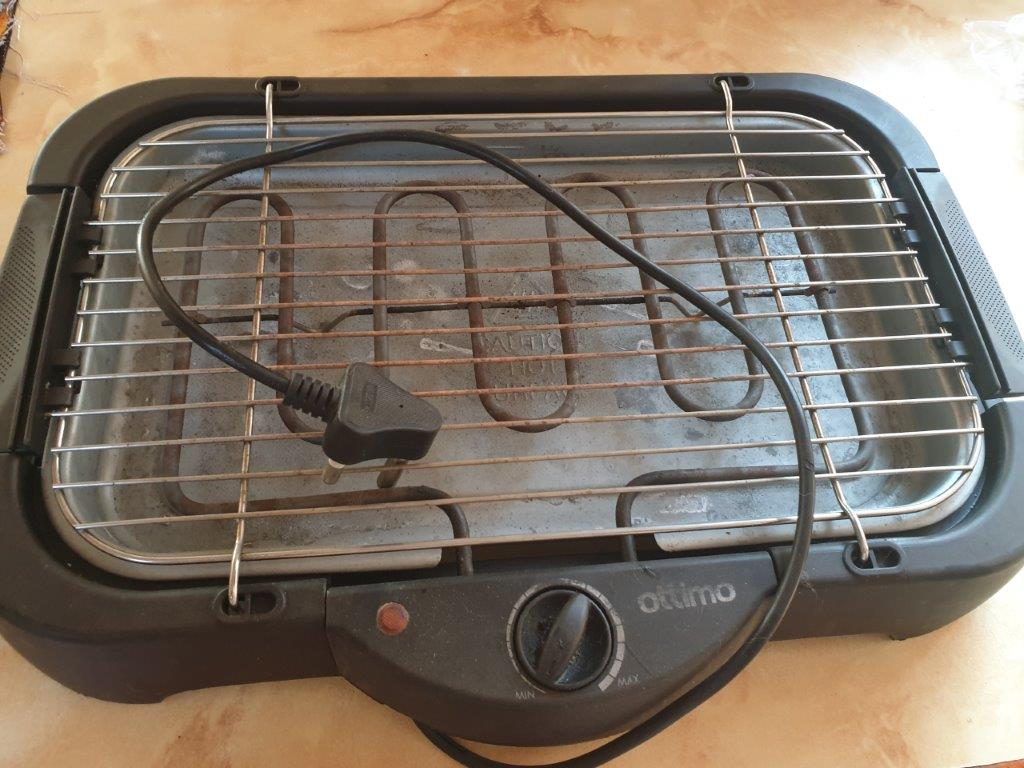 Electric grill for sale.