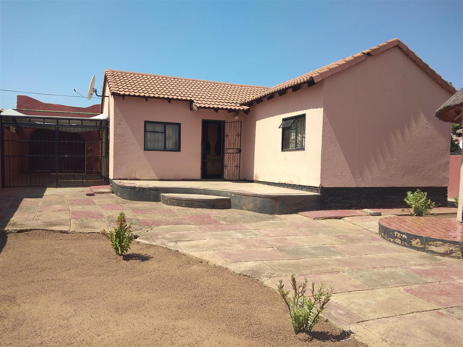 House for sale in Mabopane block ux