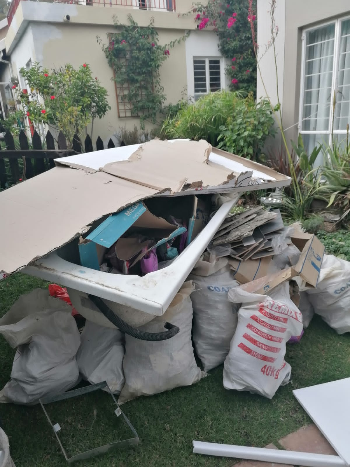 We do rubble removals... Builders rubble...Junk in the yard...e.t.c