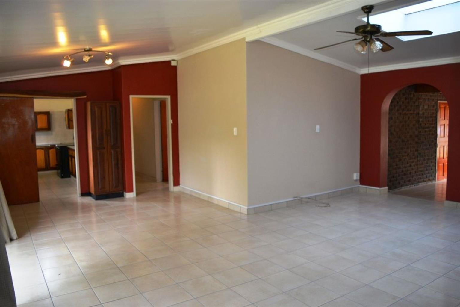 House For Sale in WEAVIND PARK