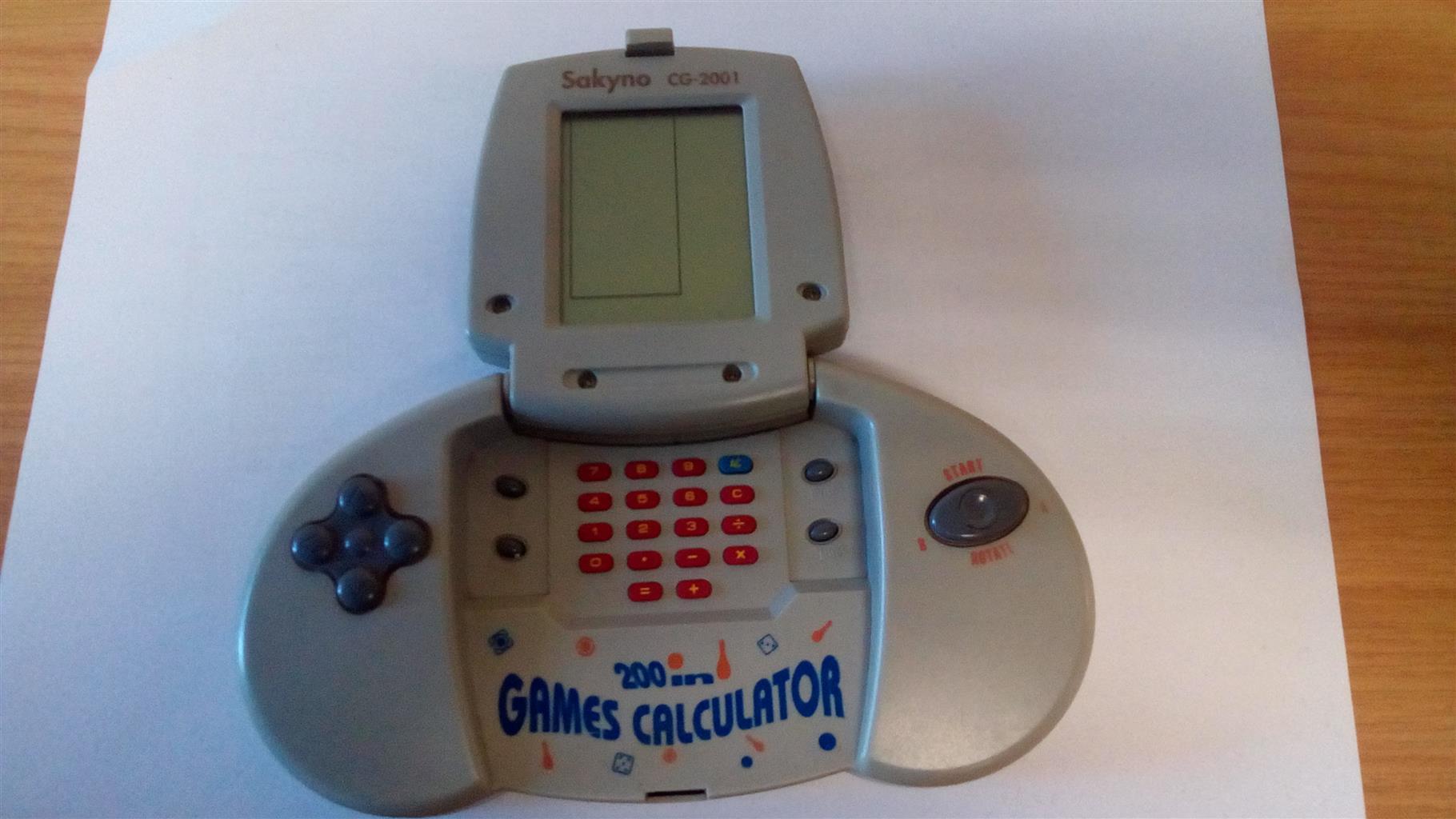 Sakyno CG-2001 200 in 1 Games and Calculator Handheld