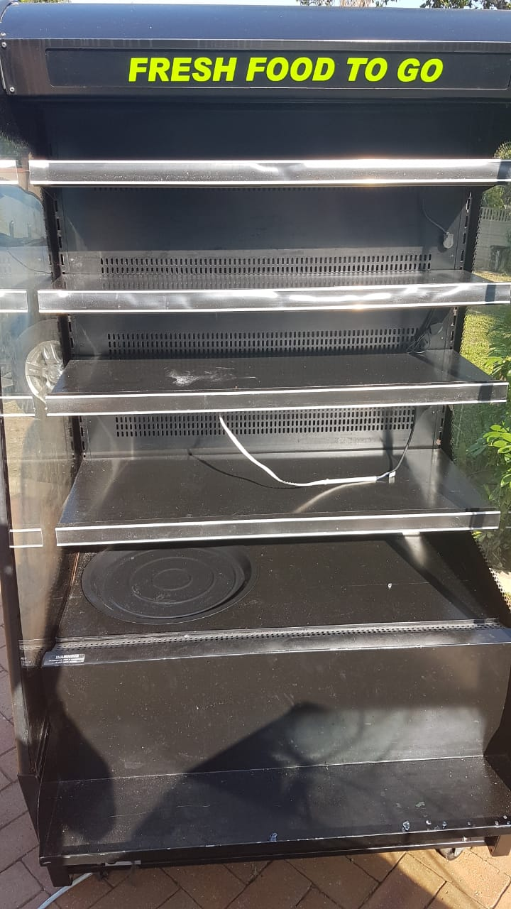 Upright display chiller