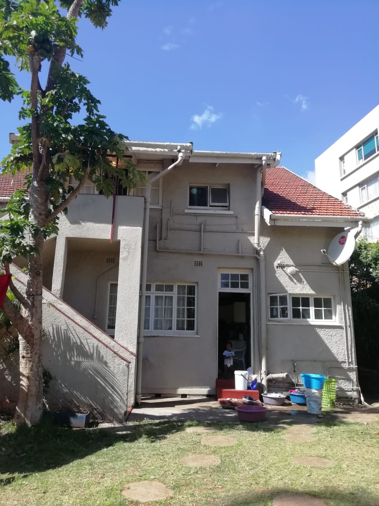 Rooms for ladies to share in Morningside Durban.