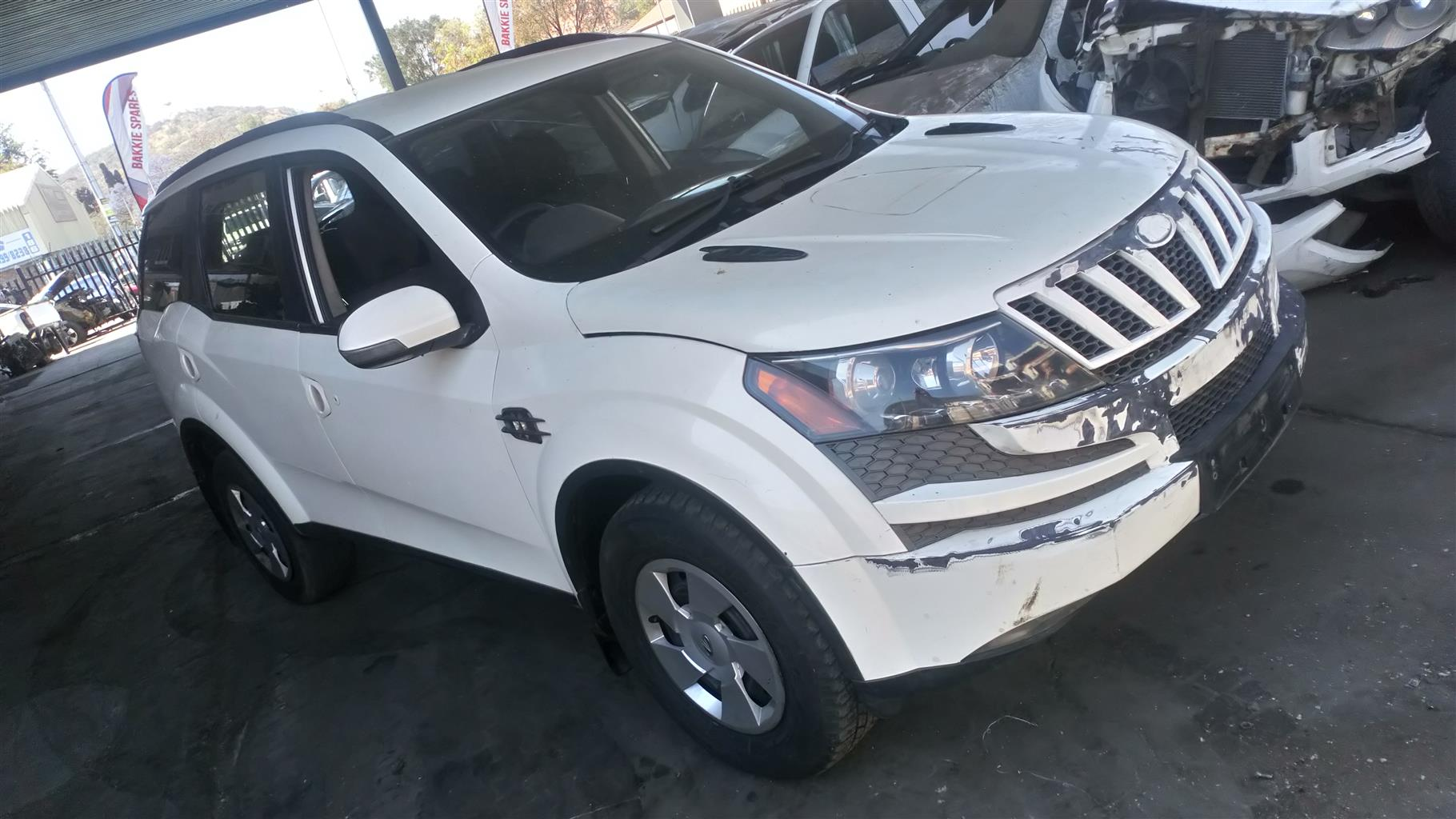 Cars for Stripping Mahindra