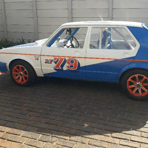 Oval race car