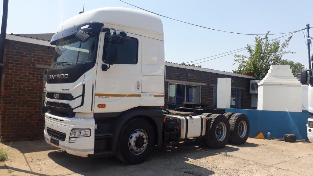 2018 Daewoo Maximus 6x4 Truck Tractor