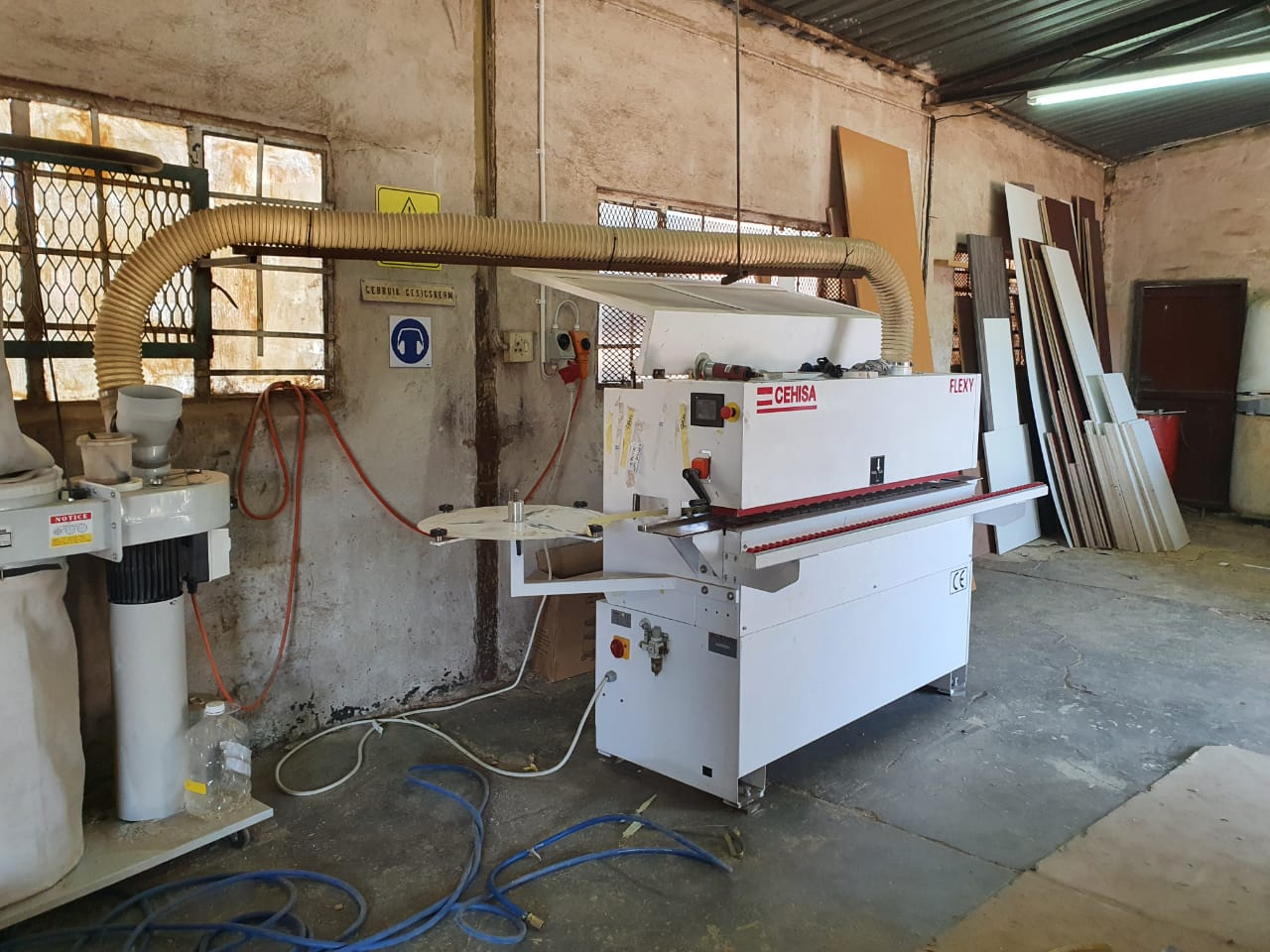 3 in 1 WOODWORKING, GRANITE AND CUTTING AND EDGING  ESTABLISHED BUSINESS FOR SALE IN LICHTENBURG.