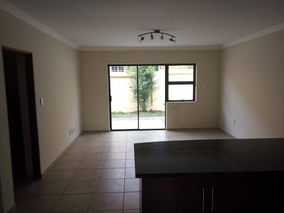 Northcliff Townhouse to rent for R4500