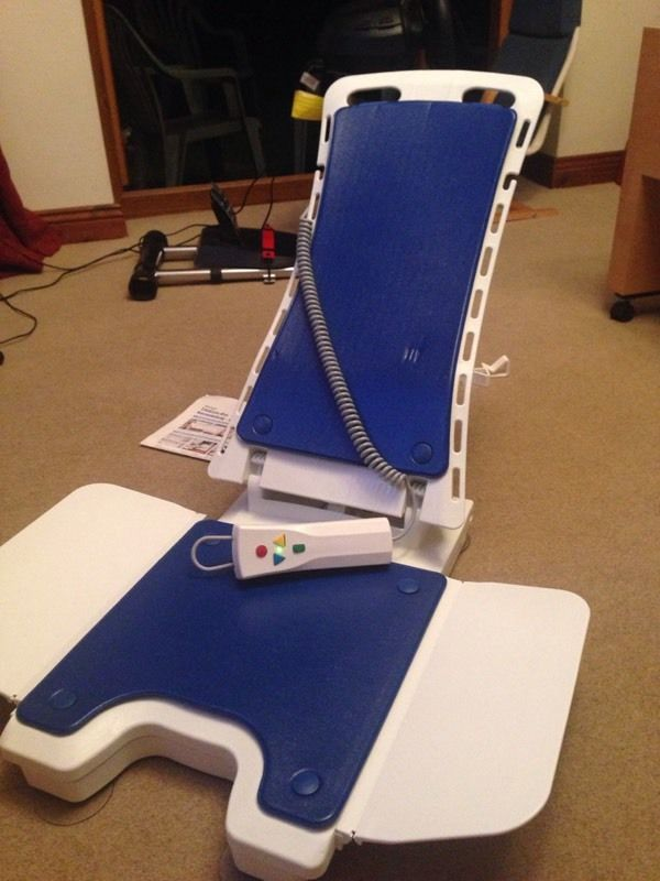 White Bellavita Automatic Bath lift | Junk Mail