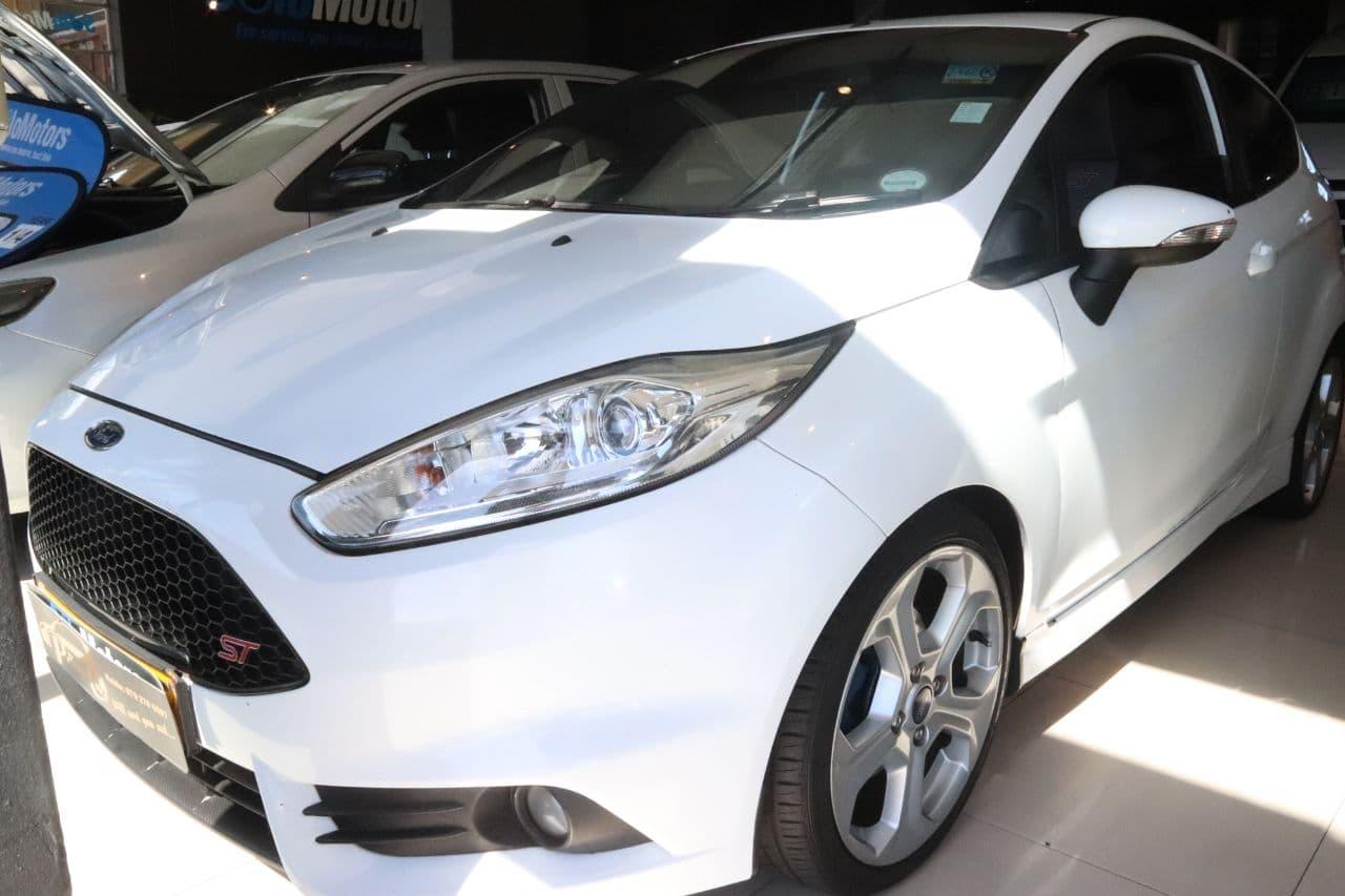 Cars for sale on cash & Credit ( NO DEPOSIT )
