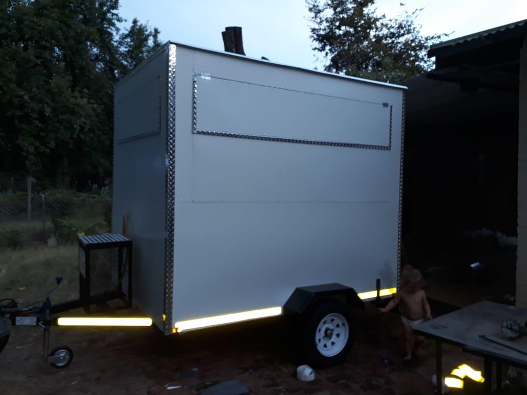Kitchen trailers