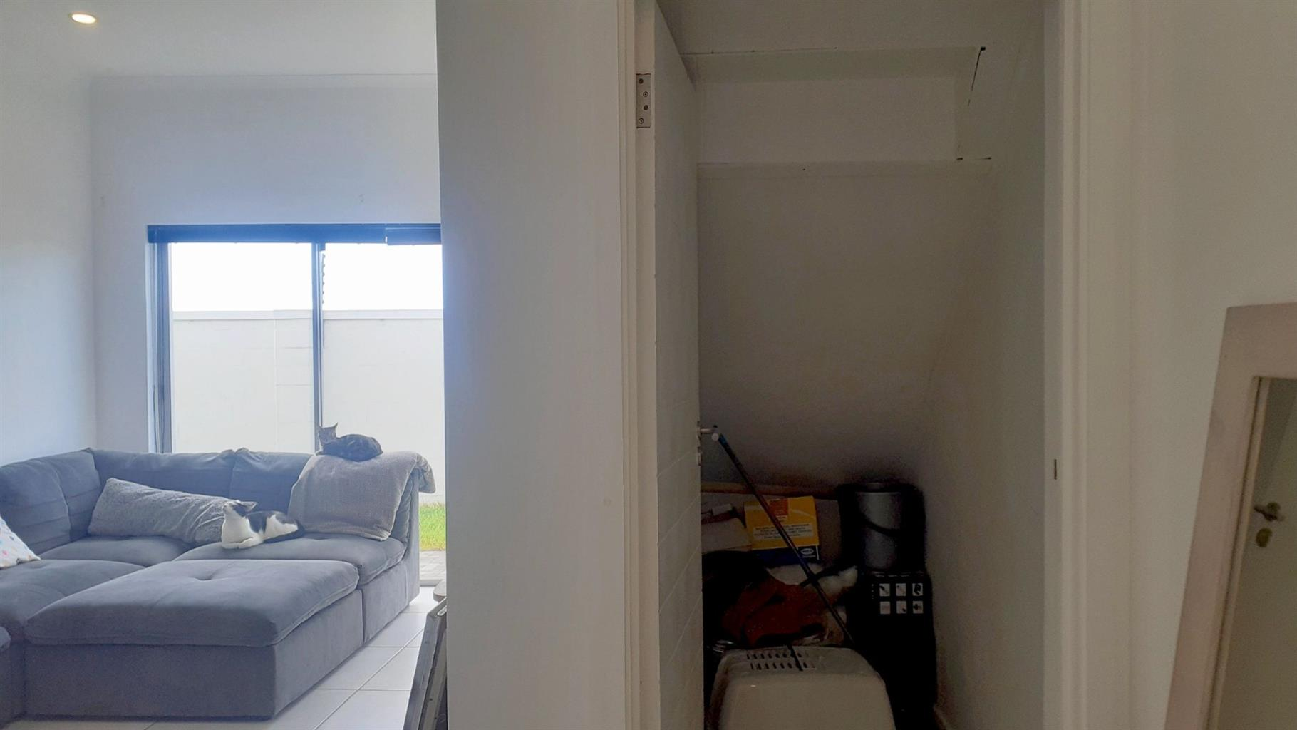 Apartment For Sale in Pinelands