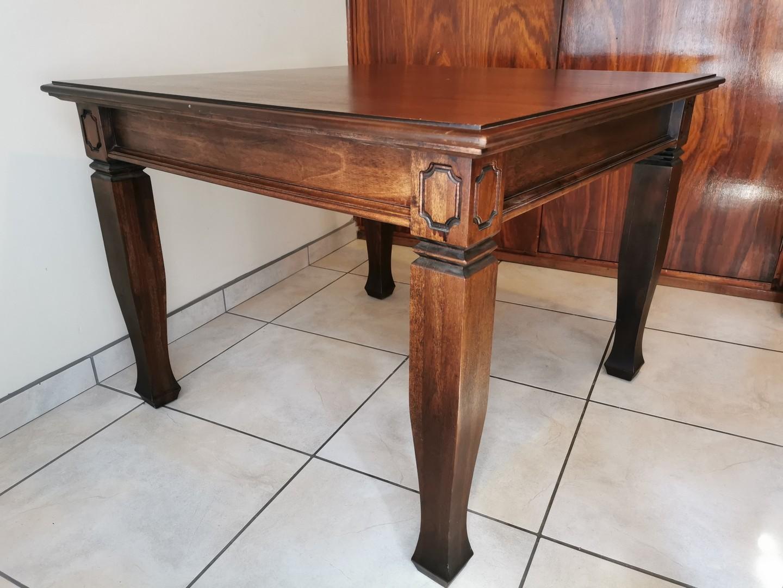 Kiaat table 1.05 m x 1.05 m