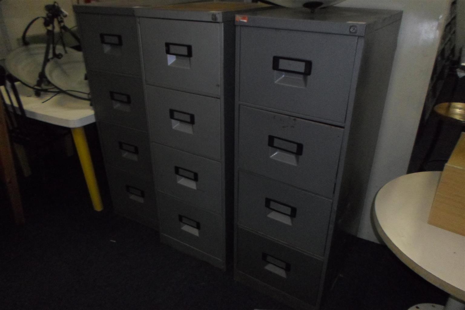 4 Drawer Steel Cabinet - B033043962-14-16