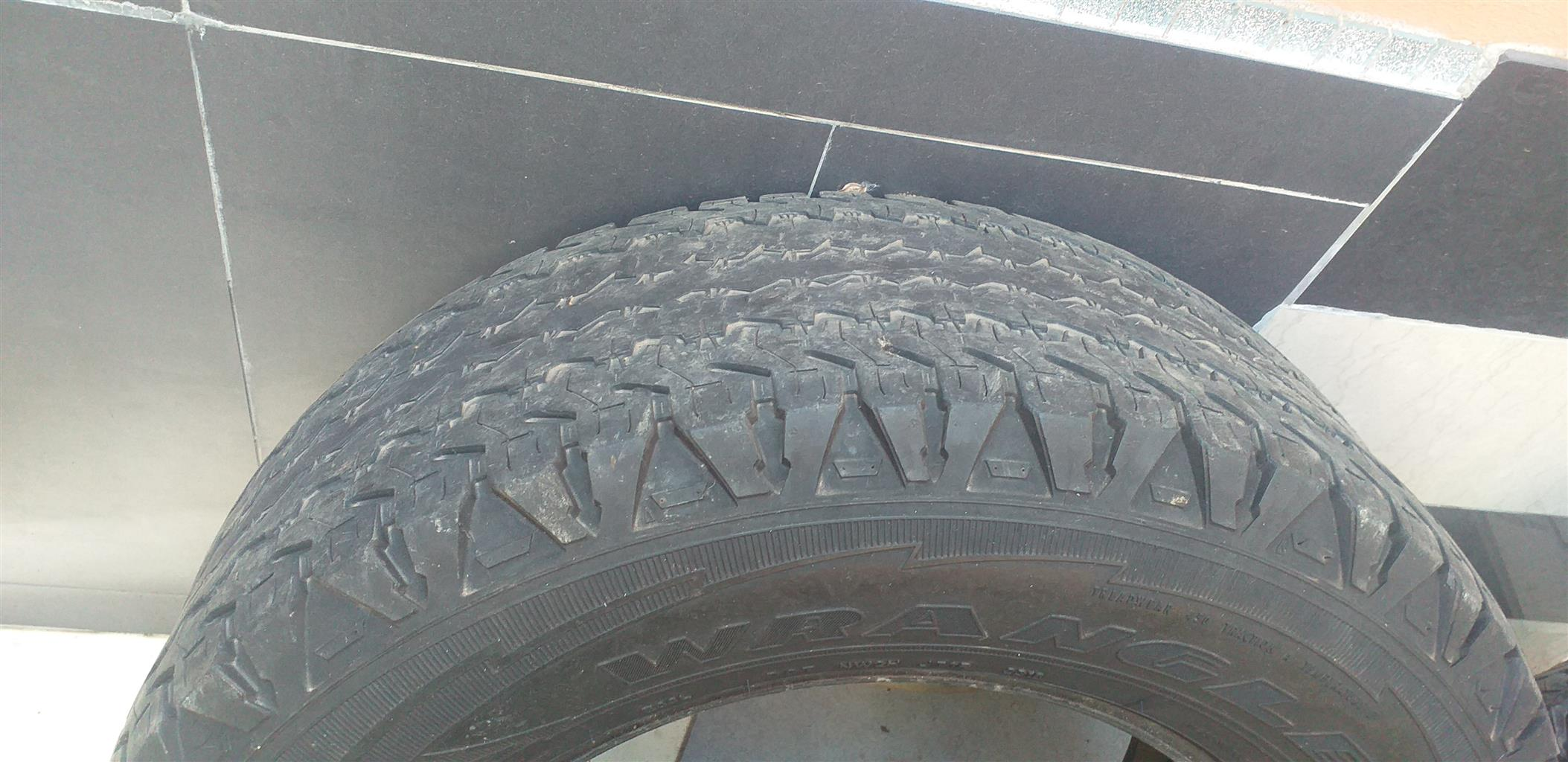 Rim's and tyres as per the photos attached