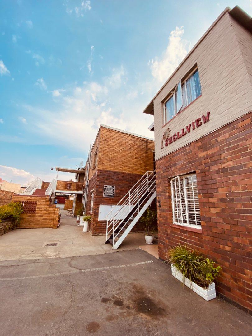 Townhouse For Sale in Townsview