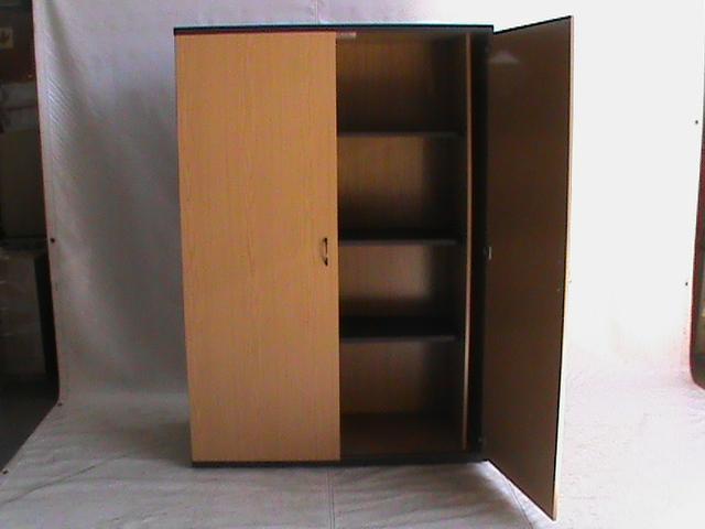 2 DOOR 3 shelves Oak cabinet