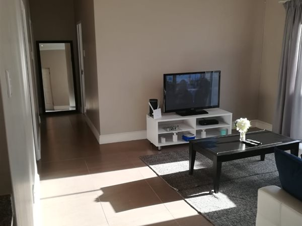 Neat Home Offers 3 Bedroom home to let in  Kraainfontein