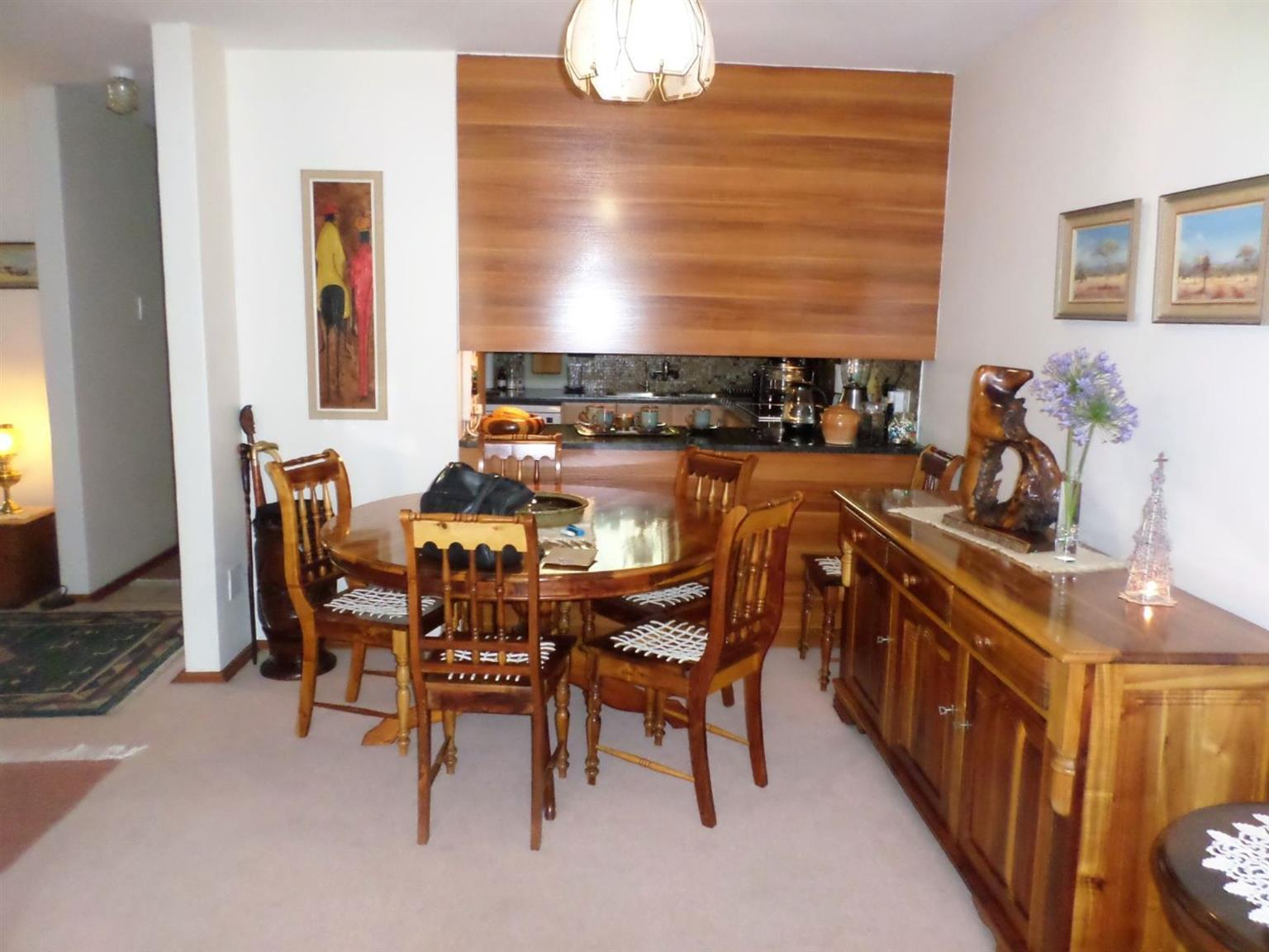 Townhouse For Sale in MURRAYFIELD