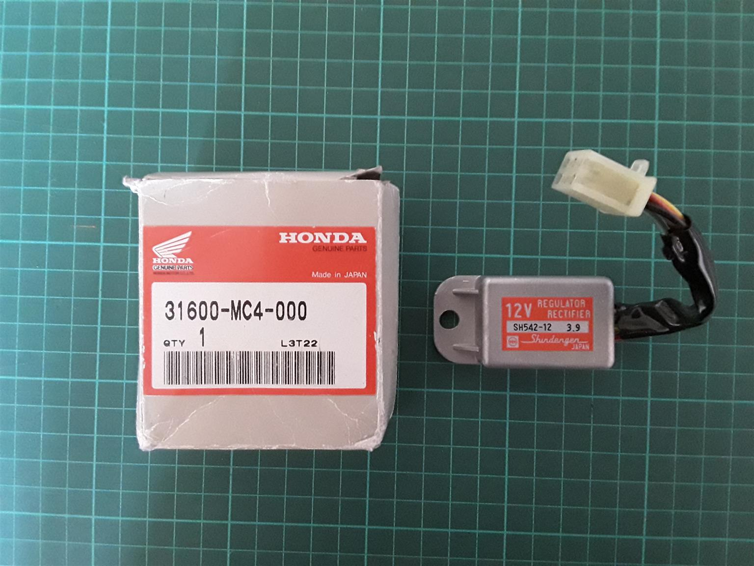 Honda Genuine OEM regulator/rectifier