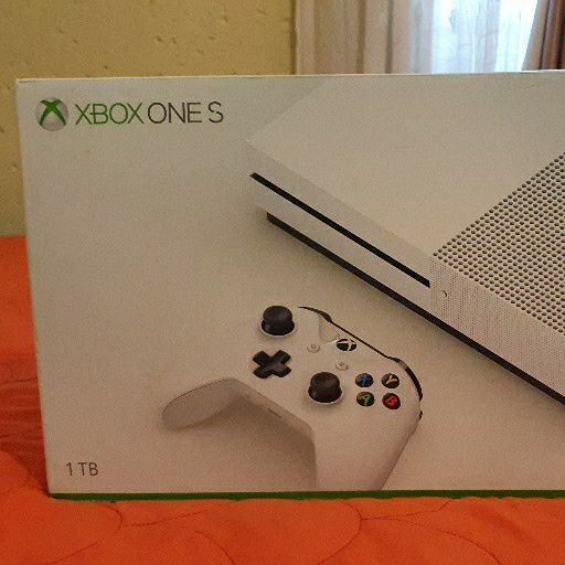 XBOX ONE S 1TB 4k HDR Sealed