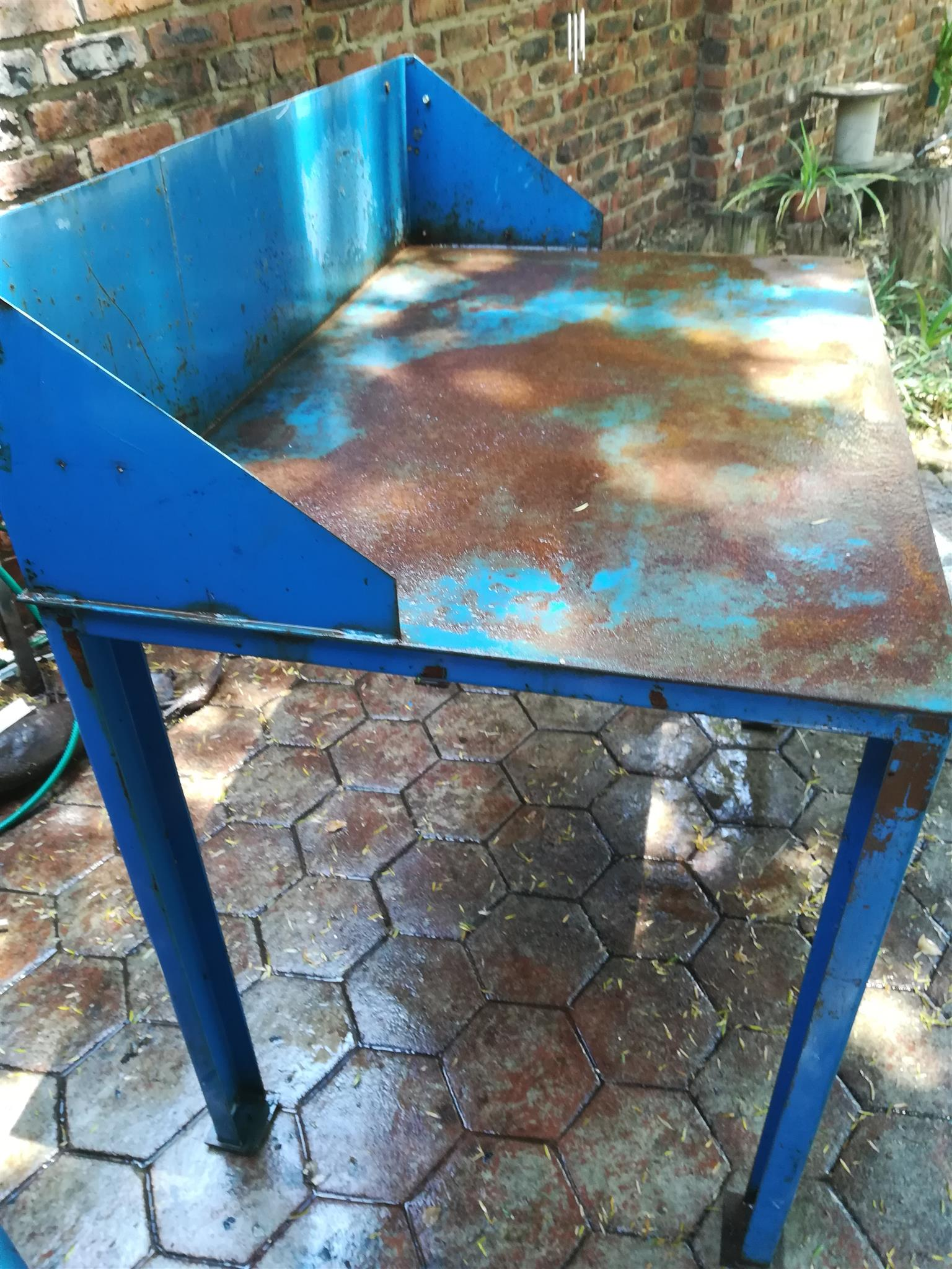 Workshop bench/table - Heavy duty steel