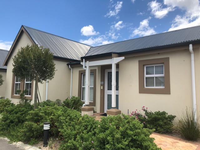 Somerset West Townhouse to let Retirement Village | Junk Mail