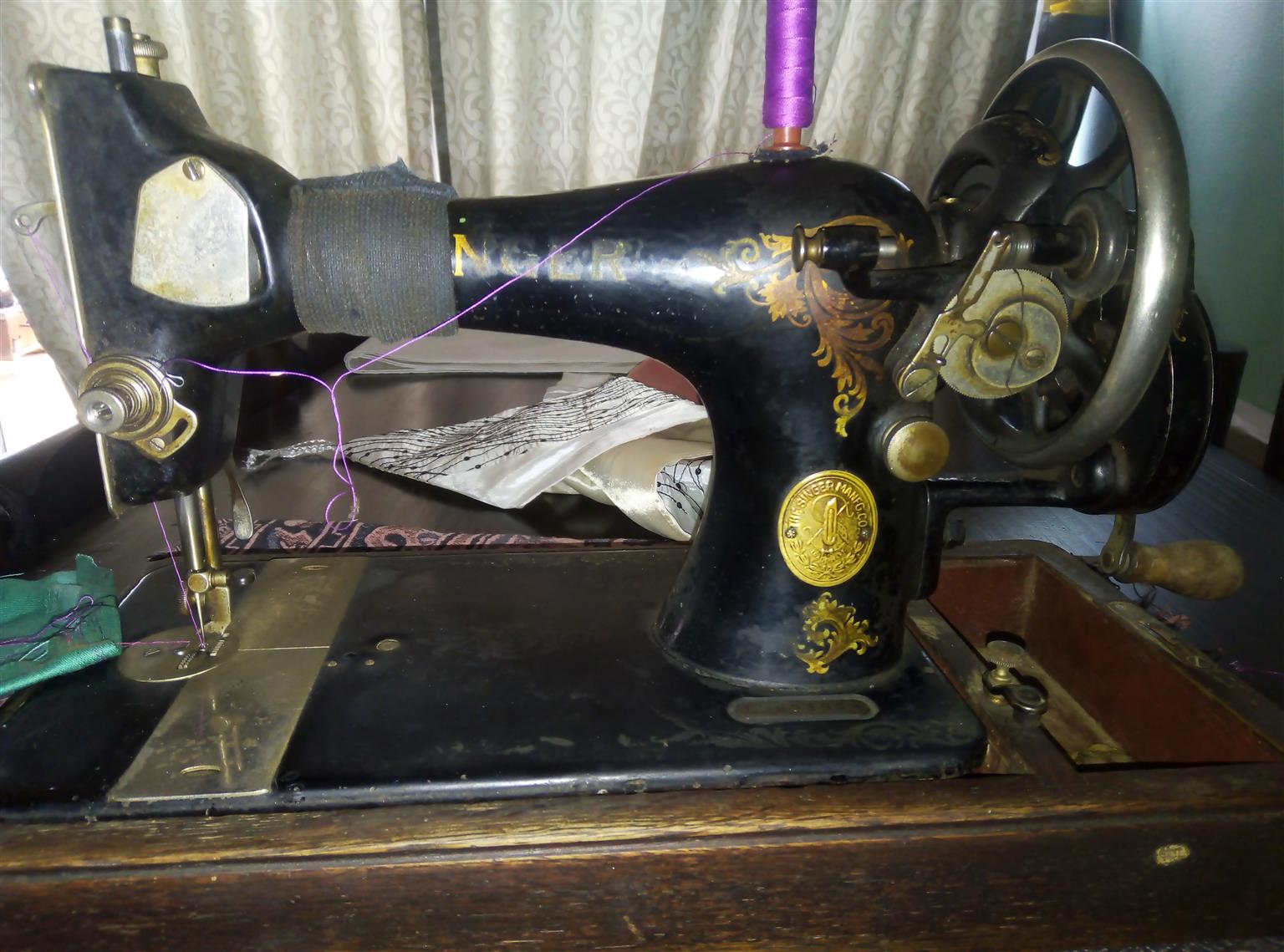 Singer hand sewing machine in working order l can test the machine for u