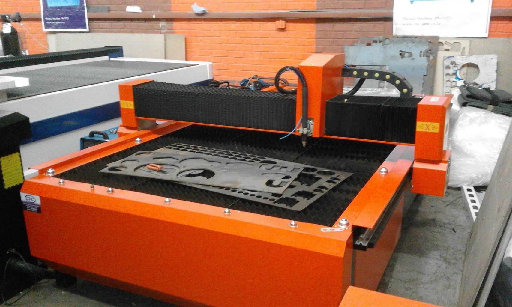 CNC laser ,fiber ,router ,plasma ,vinyl cutters machines
