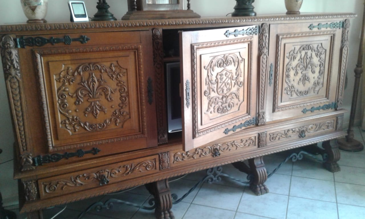 Solid oakwood cabinet