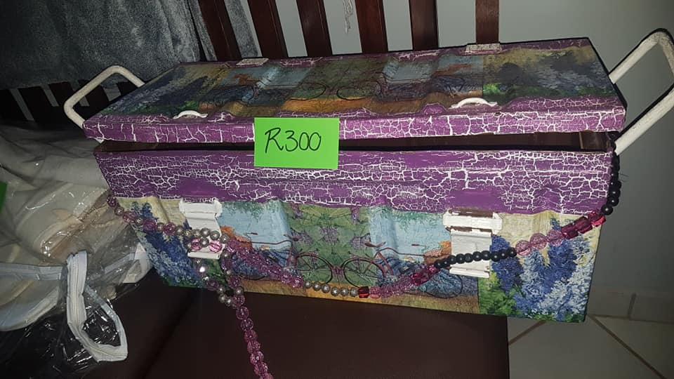 Toy trunk for sale