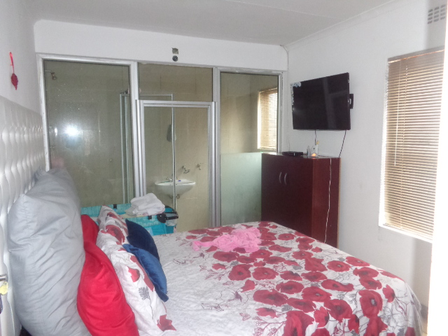 Bayview: Charming 2 bedroom house with 1 bedroom granny flat