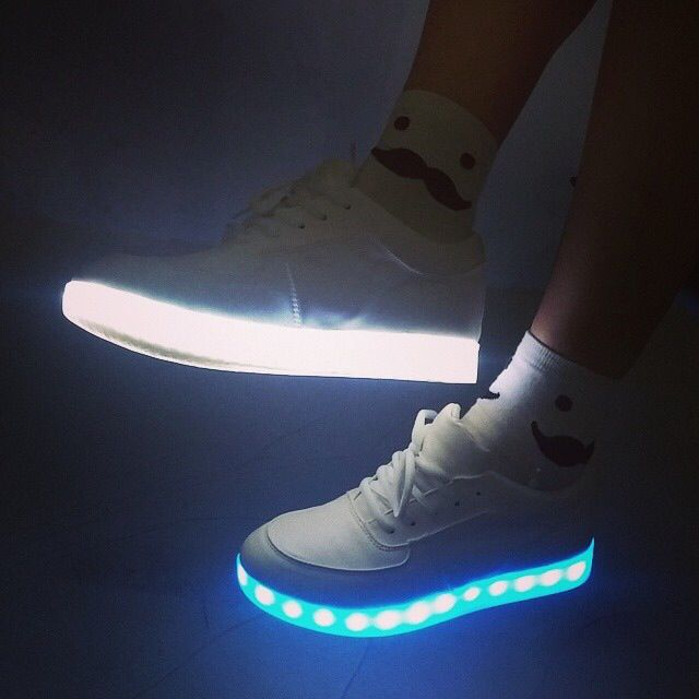 LIGHT UP SNEAKERS R400  c24cb8483e1f