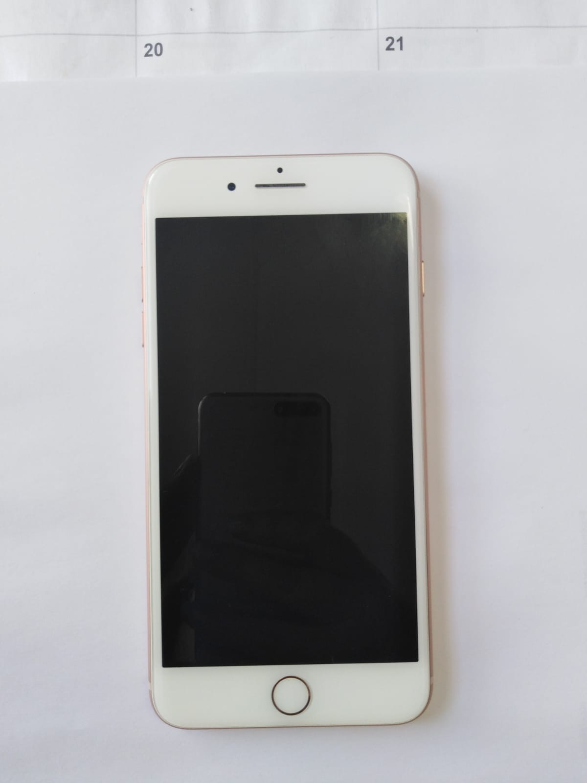 iPhone 8 Plus 64GB Gold (Mint Condition)