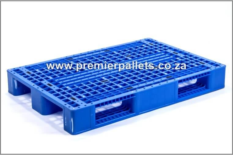 Pre-owned plastic pallets (rackable)