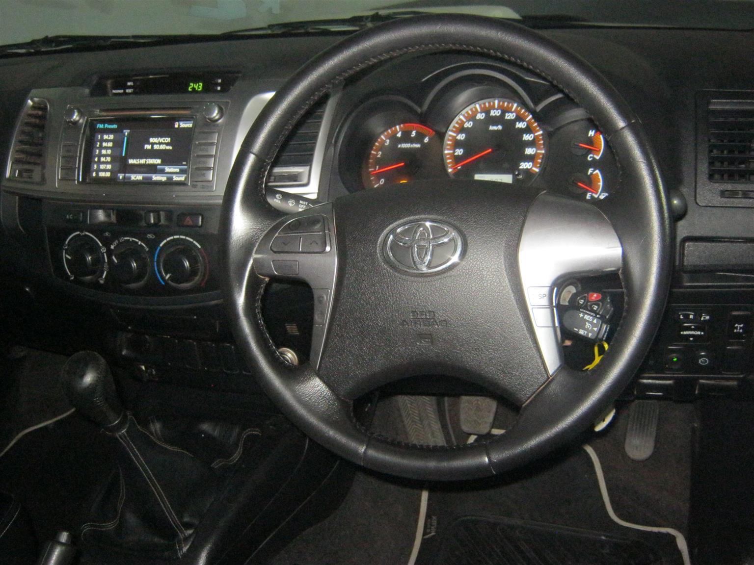 2015 Toyota Hilux 3.0D 4D Xtra cab Raider Legend 45