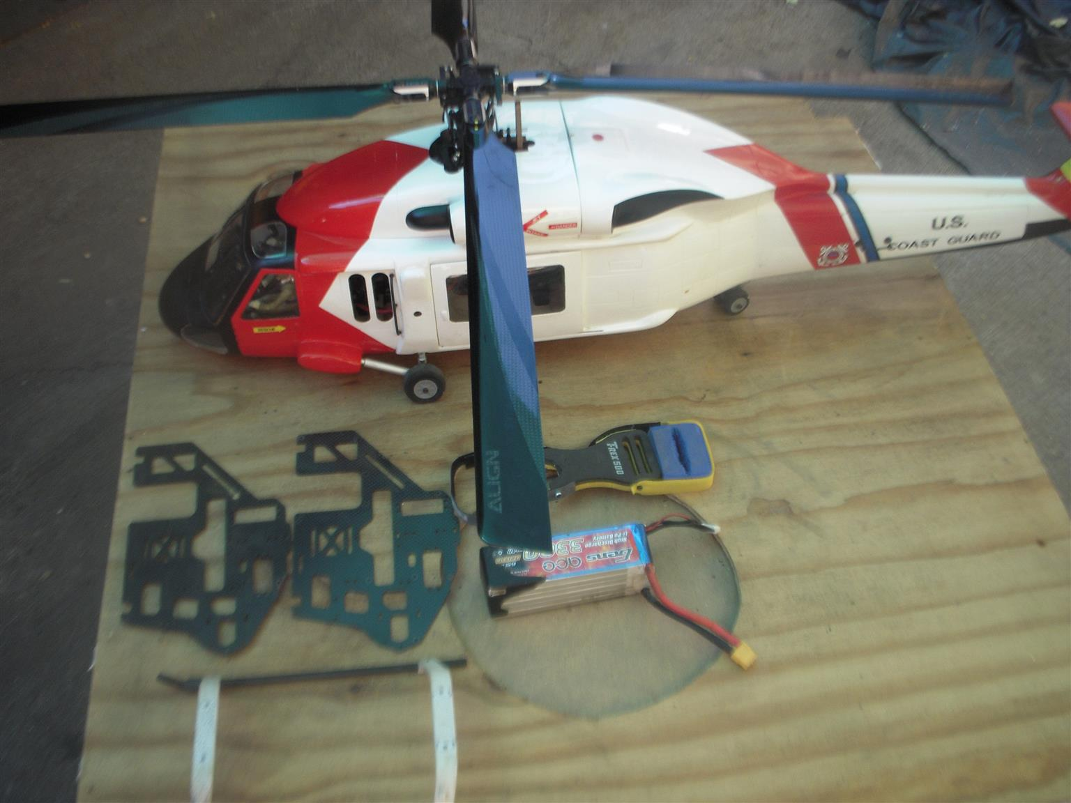 ALIGN 500 U,S. COAST GUARD FOUR BLADE R/C HELICOPTER
