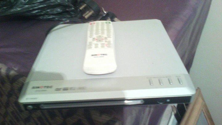 2 dvd masjiene een met usb e remote.